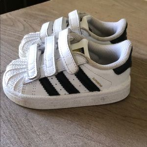 adidas Shoes - Adidas Superstar Velcro sneakers size 5K